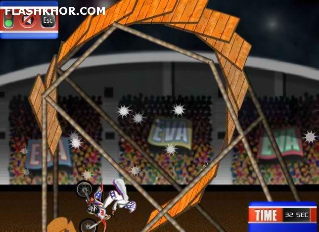 بازی آنلاین دیوانه موتور ایکس - موتورسواری ورزشی فلش